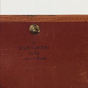 Louis Vuitton Bags - Vintage Louis Vuitton epi leather key wallet